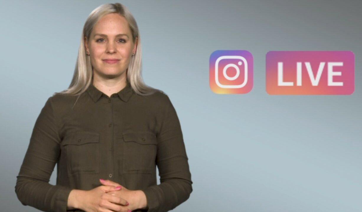Harmaalla taustalla nuori nainen katsoo suoraan kameraan, taustalla kaksi logoa: Instagram ja LIVE.